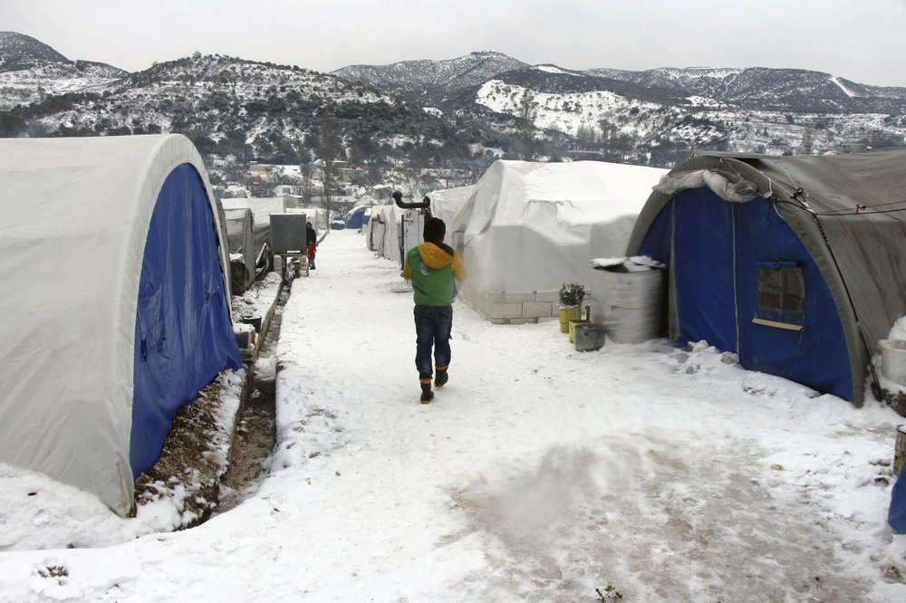 Freezing temperatures in Syria's Idlib compounds crisis