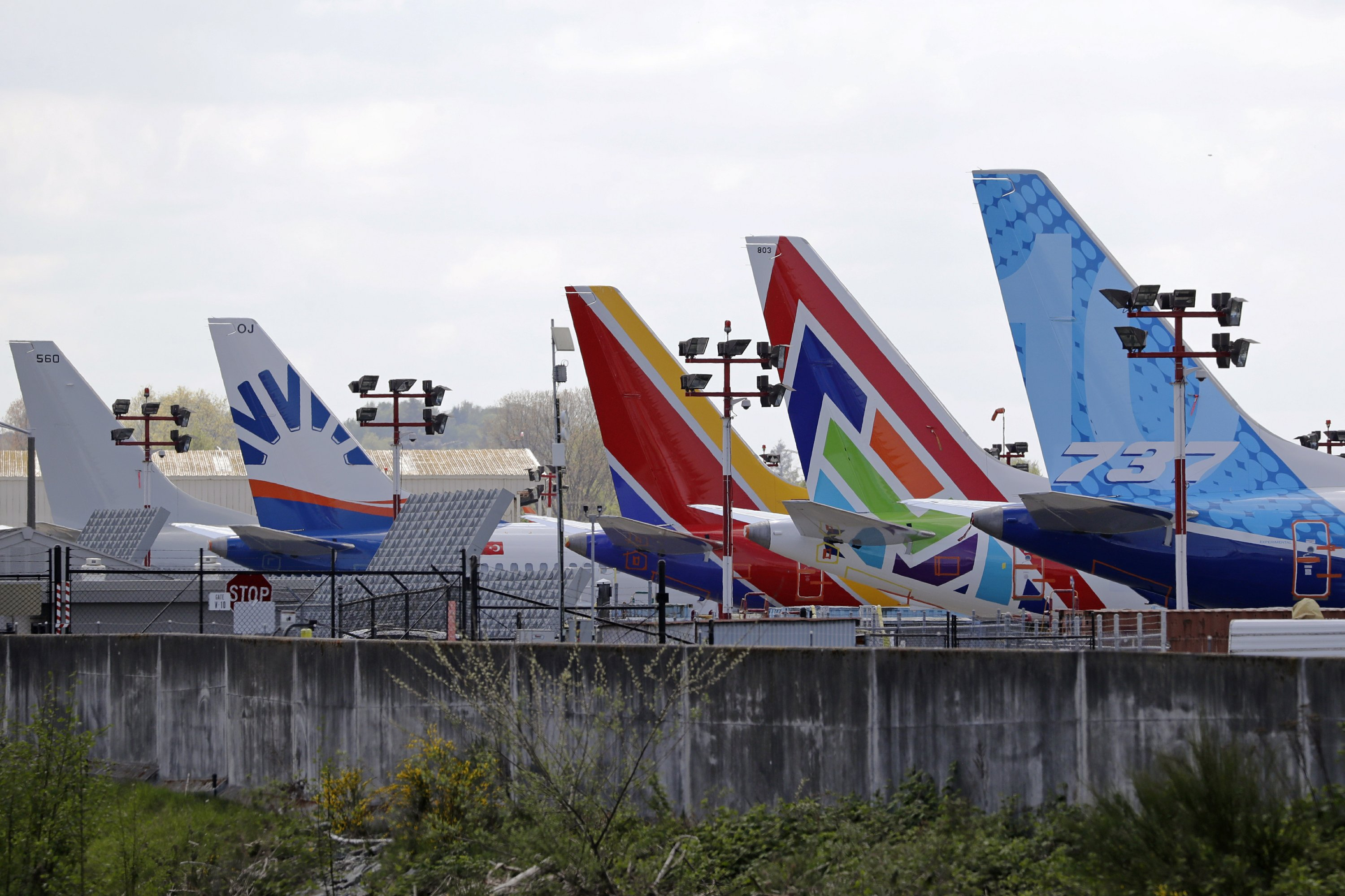 Boeing to outsource IT work to Dell, eliminate 600 jobs