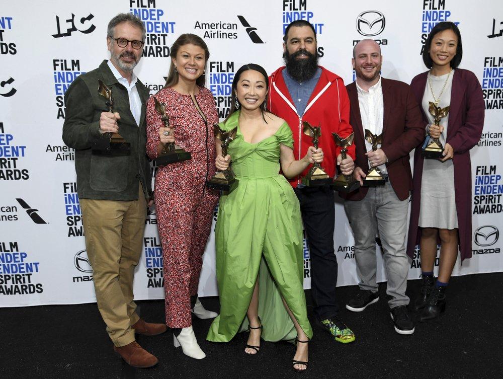 'The Farewell,' Adam Sandler triumph at Spirit Awards