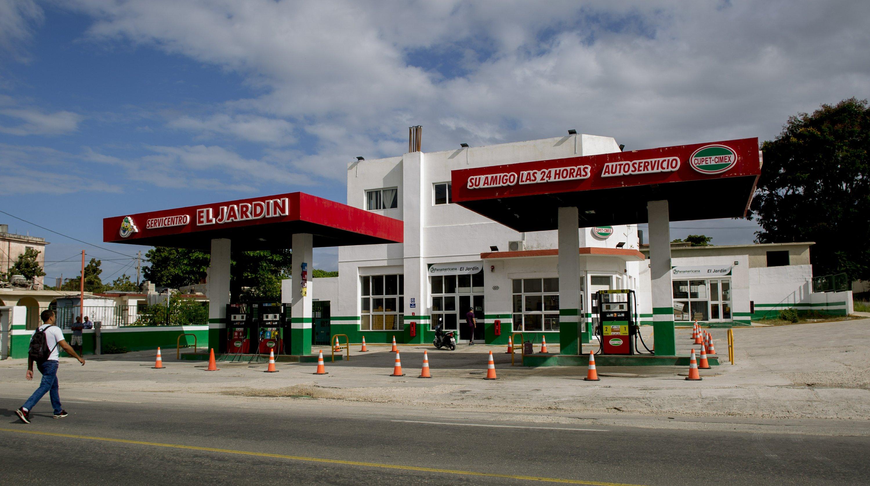 Cubans wait hours in gas lines as fuel crisis bites