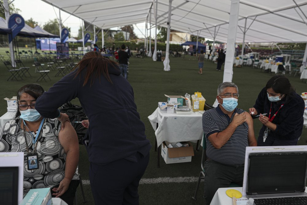 Chile near top among countries at vaccinating its population; Latin America's champion