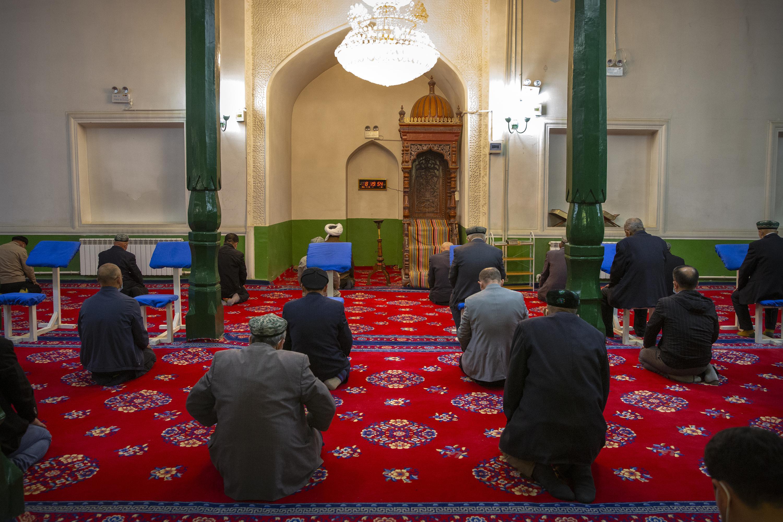 Ramadan in China: Faithful dwindle under limits on religion