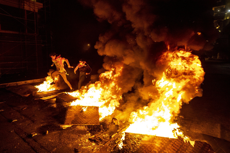 Protesters paralyze Lebanon amid political, economic crisis