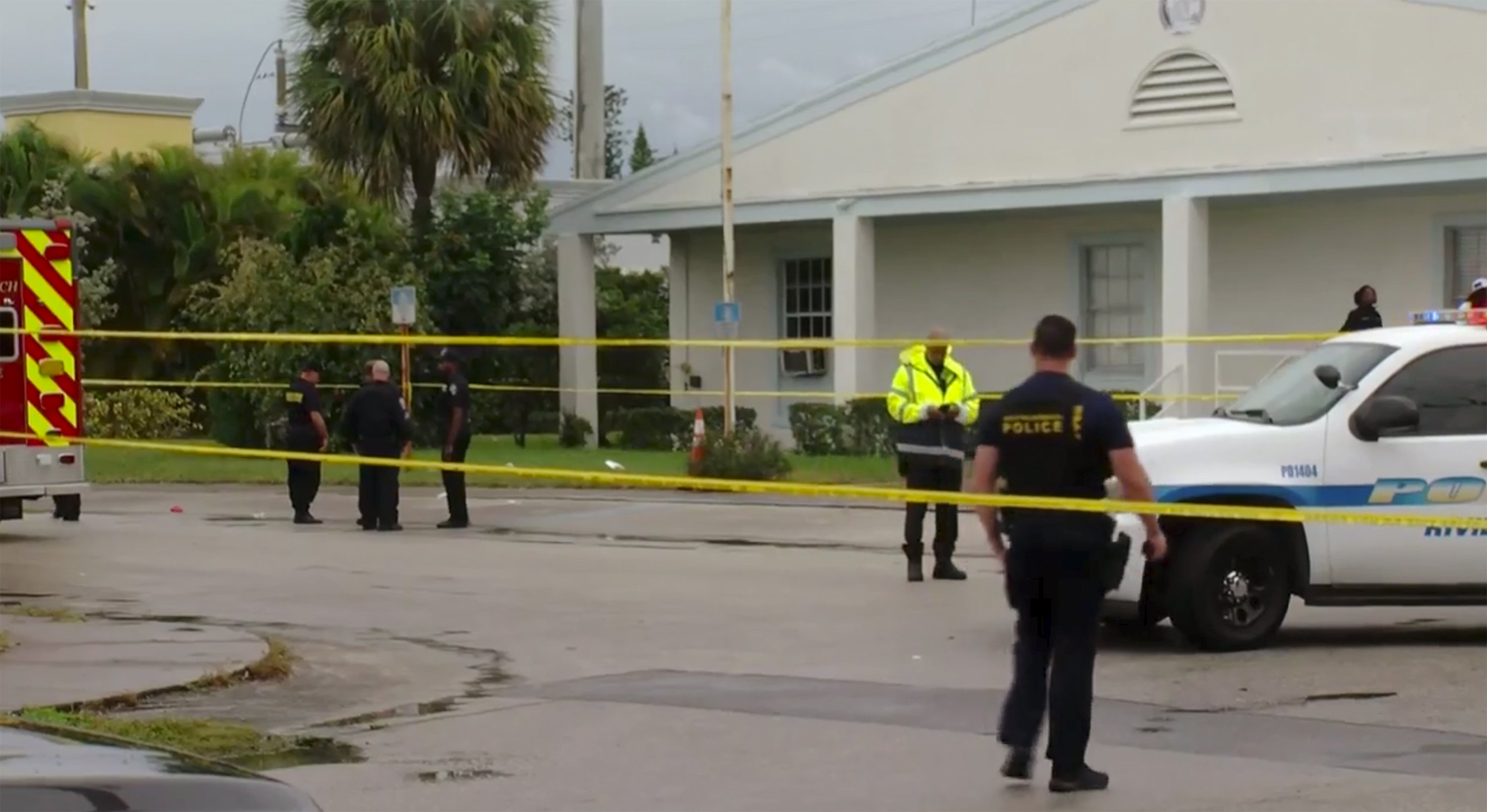Police: 2 dead, 2 wounded in shooting after Florida funeral thumbnail
