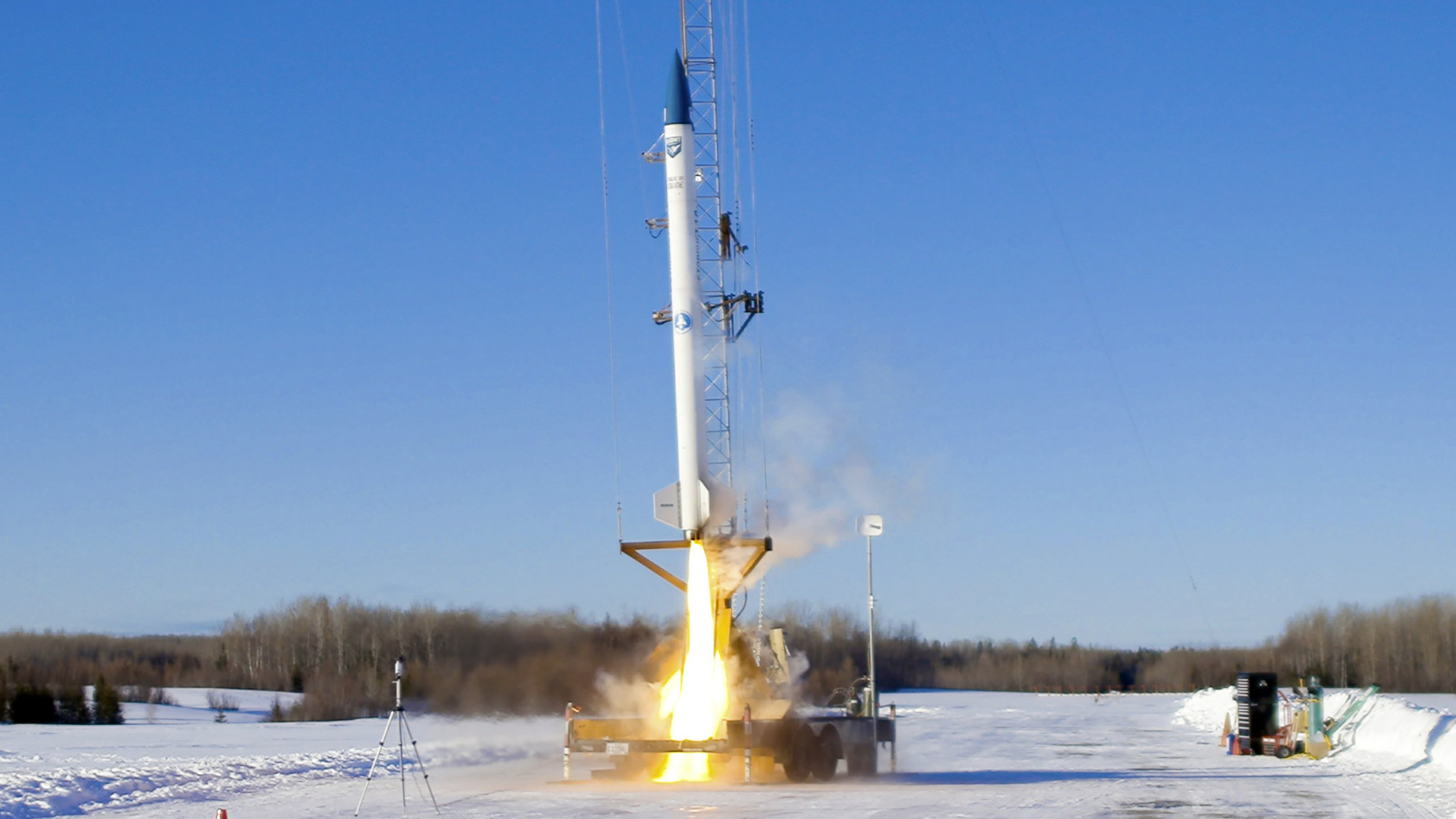 Maine company successfully launches prototype rocket