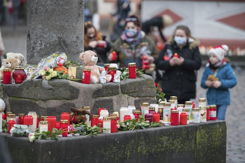 German city grieves after 5 killed in pedestrian zone attack