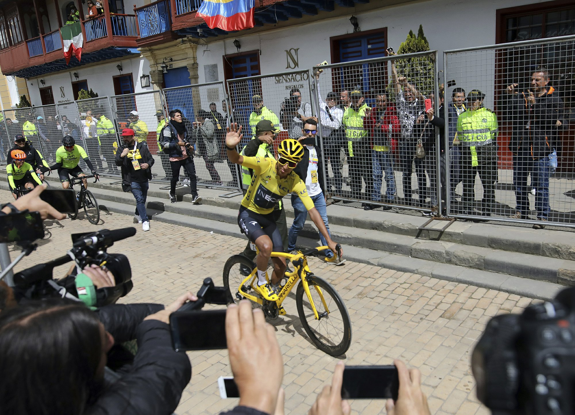 Tour de France champion gets homecoming fiesta in Colombia