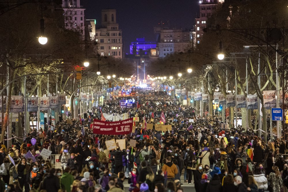 Spanish feminists mark International Women's Day with static protests, other small-sized events to prevent gatherings