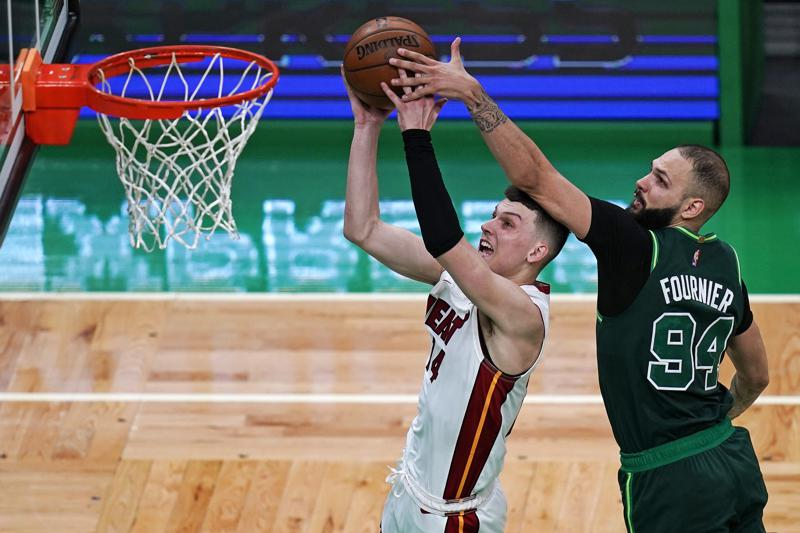 Miami Heat Moves Into a Tie With Atlanta After Victory Over Boston Celtics 129-121