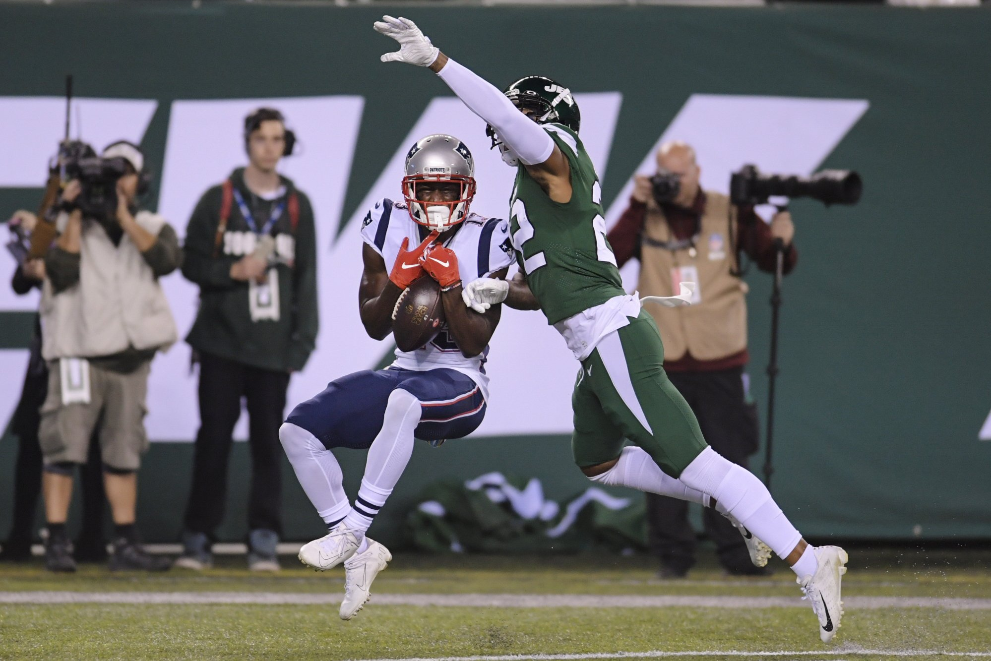 Jets without CB Trumaine Johnson, C Ryan Kalil vs. Dolphins