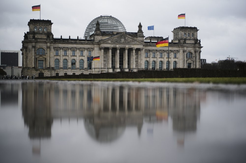 German man charged with passing German parliament floor plans to Russia