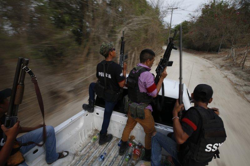 Toxic mix of gangs, vigilantes fuels rising Mexican violence