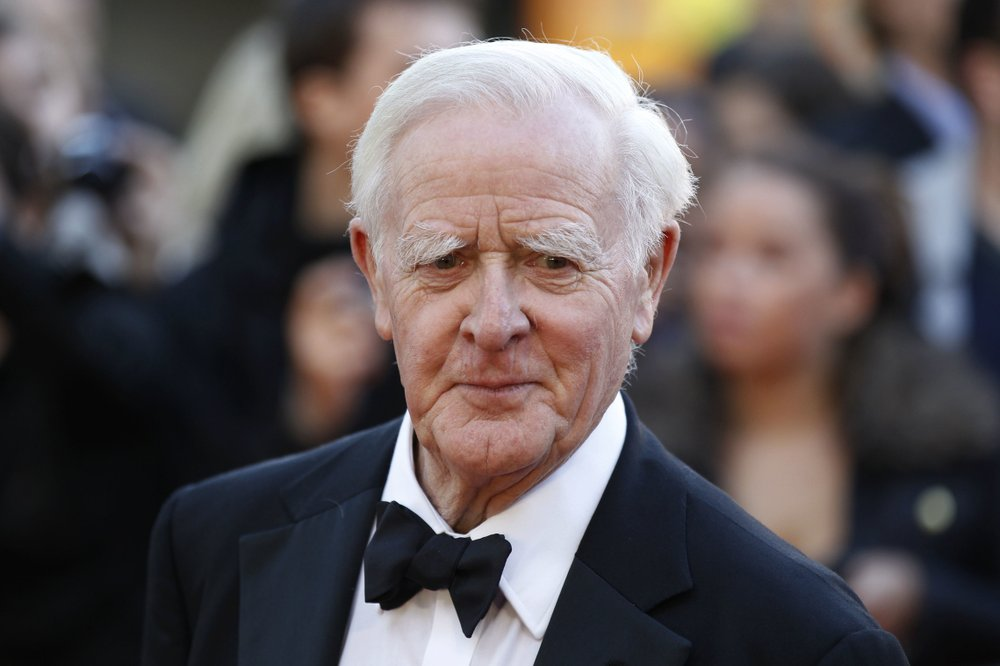 John le Carré, Renowned British Author of Numerous Espionage Novels, Dies of Pneumonia at 89