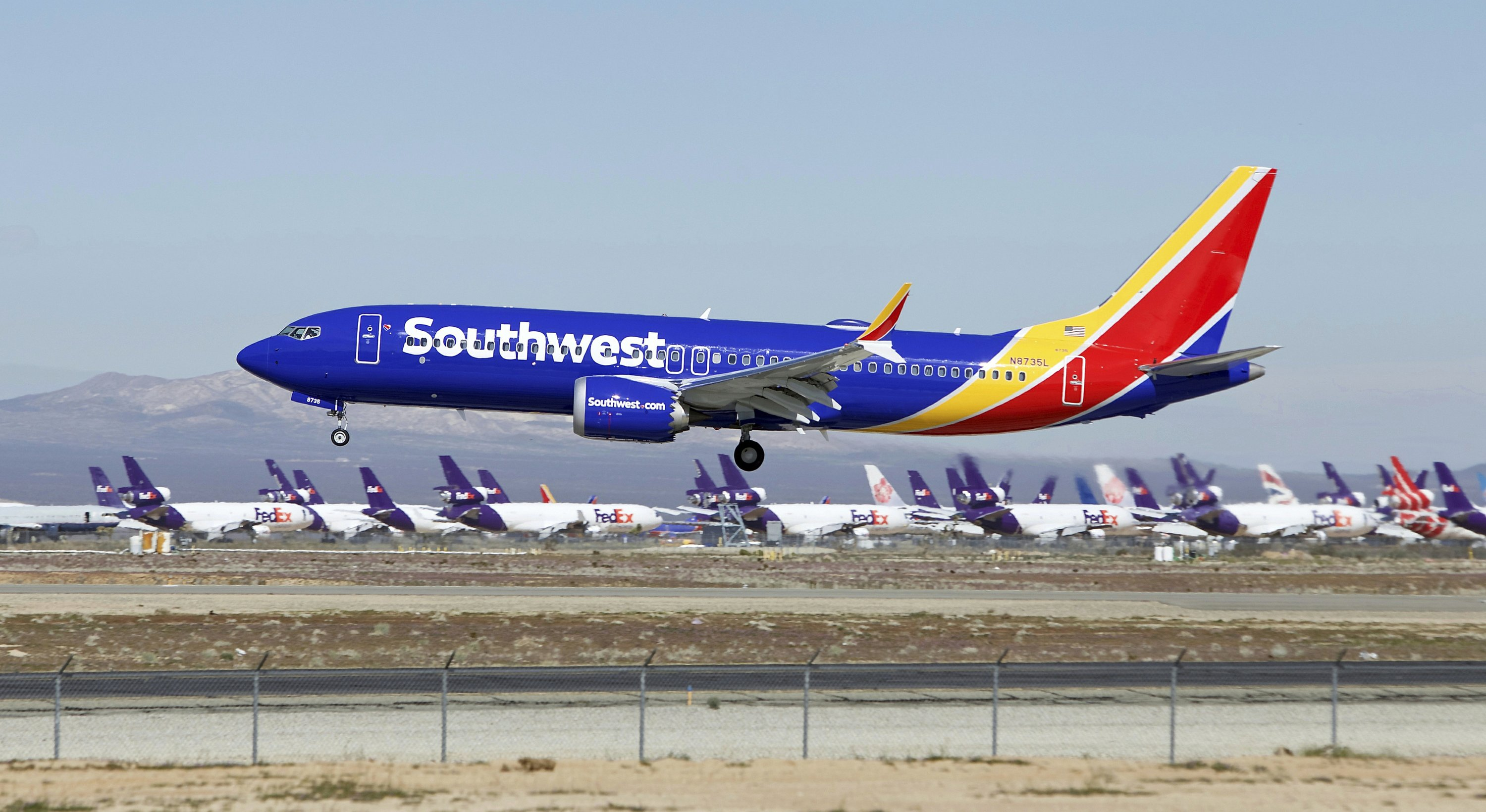 Leader of pilots' union blasts Boeing over grounded plane