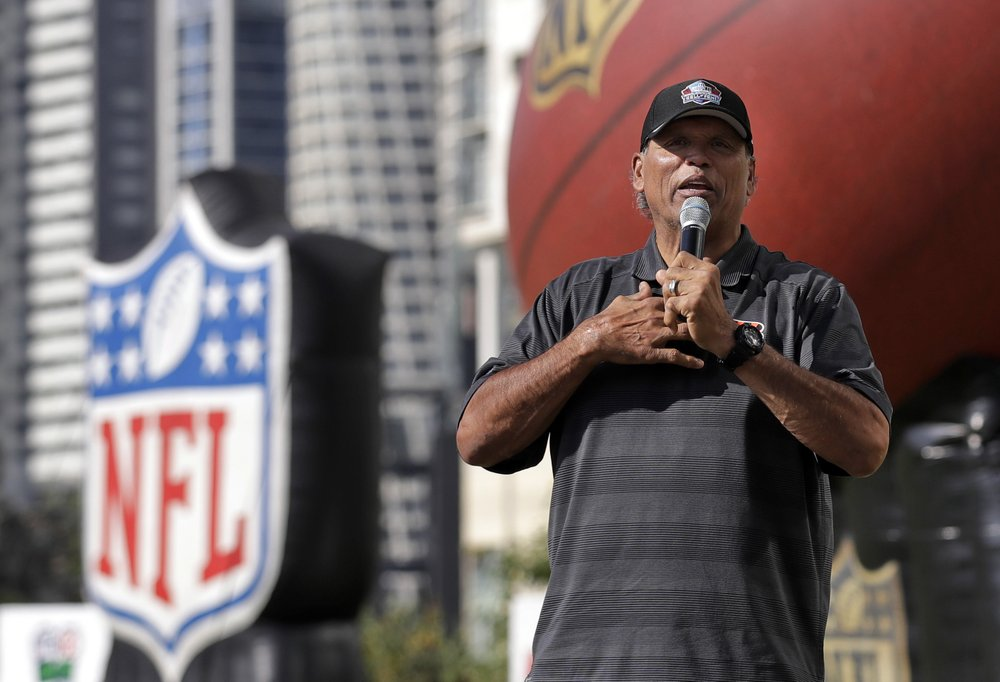 Hall of Famers reach out to youth as part of its Strong Youth Strong Community program