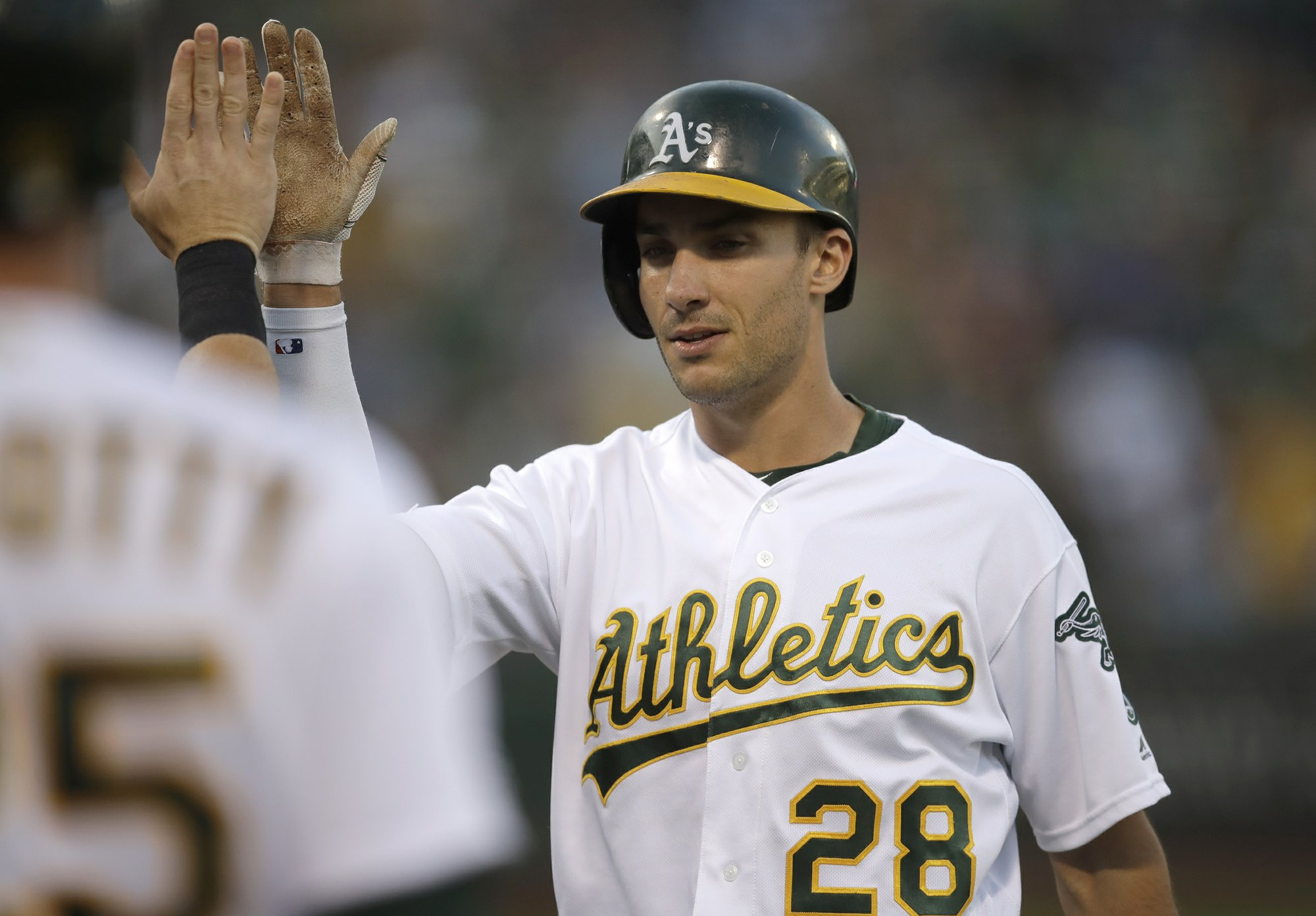 Roark strikes out seven, pitching A's to sweep of Yankees