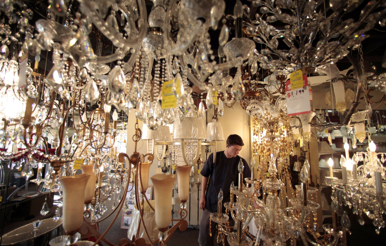 Judge allows California's shift to energy saving light bulbs