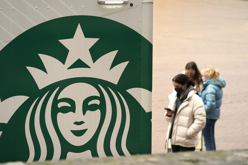 Starbucks solid footing in China, growth still slow in the U.S.