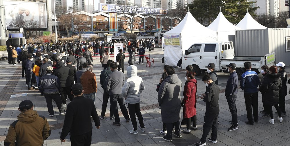 South Korean health authorities criticized for mandating virus tests for foreigners in Seoul