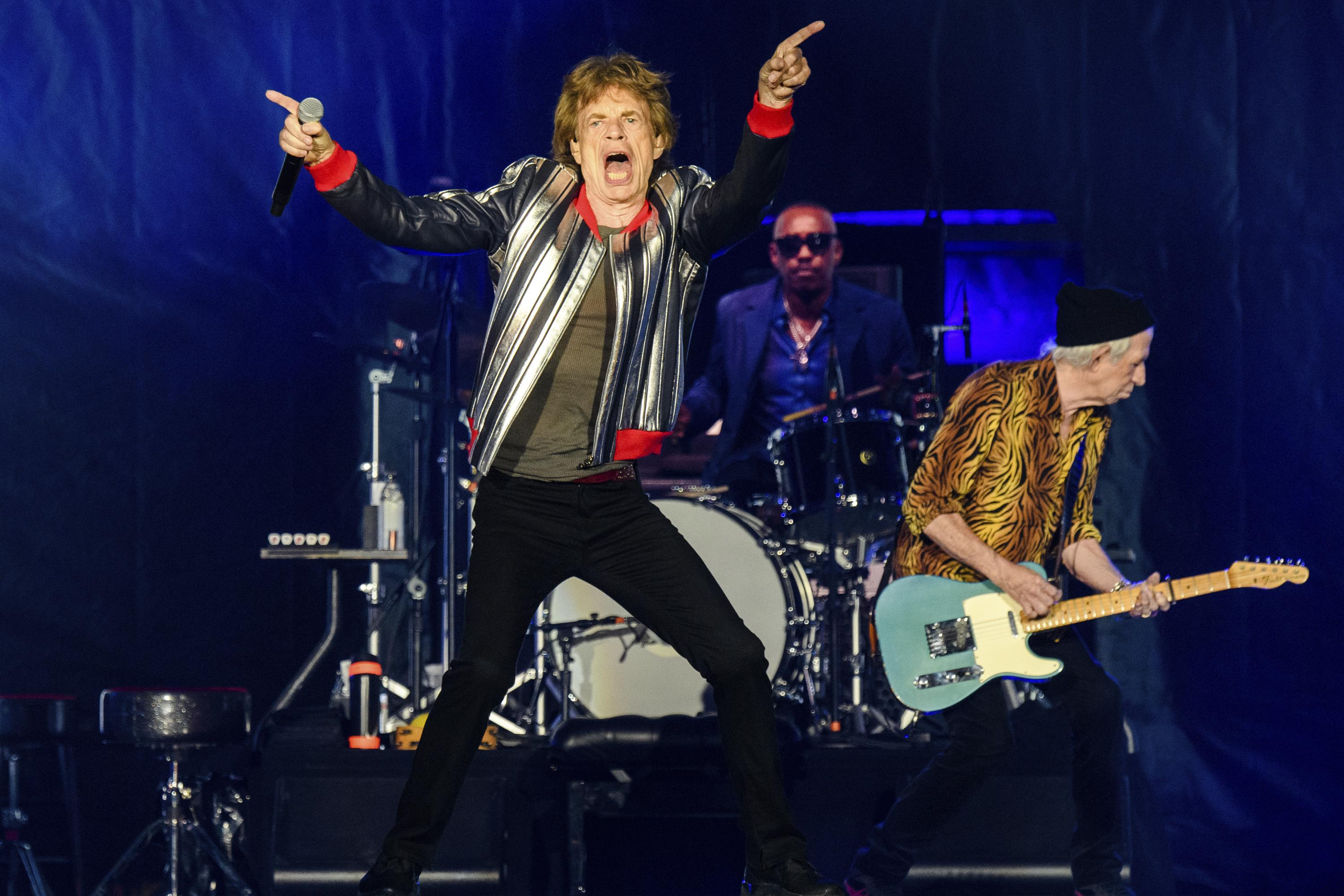 Rolling Stones open American tour, pay tribute to drummer – Associated Press