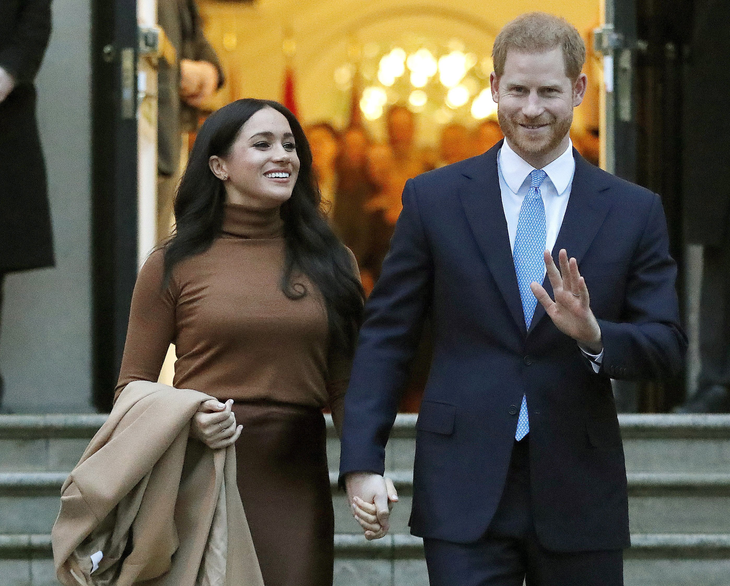 prince harry meghan markle move into new california home prince harry meghan markle move into