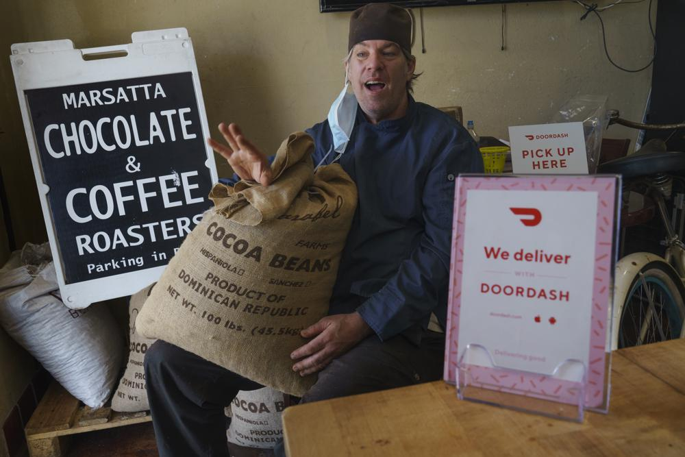 Restaurants, delivery companies remain uneasy partners