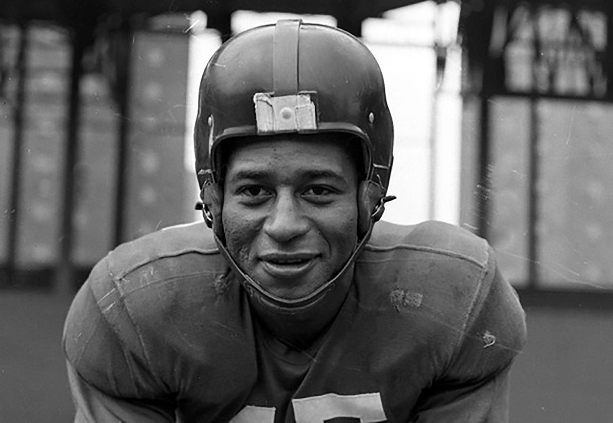 Coast Guard honors Black veteran, NFL great Emlen Tunnell