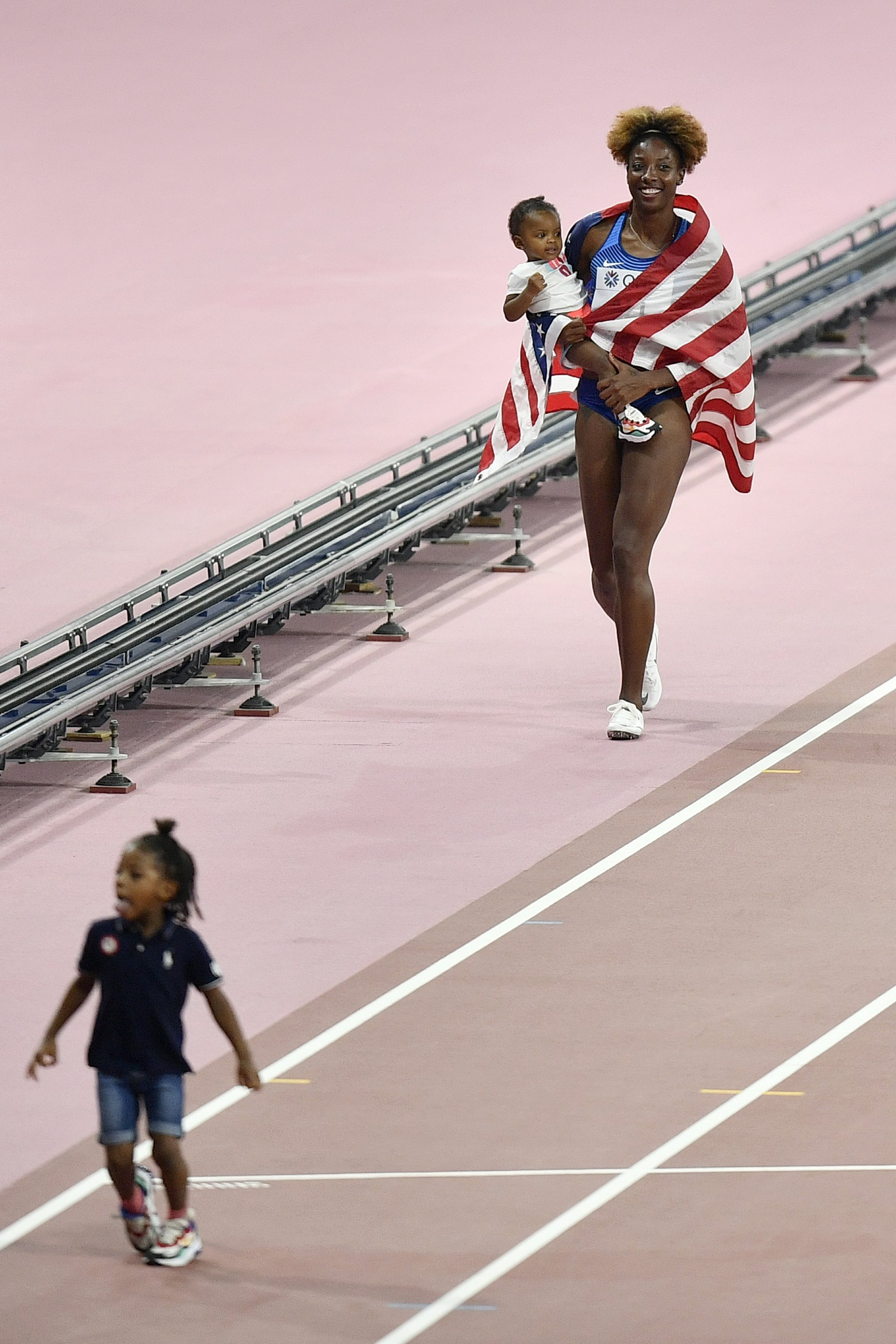 Mommy S Medal Mother Of 2 Closes Worlds With Hurdles Title