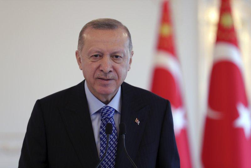 VEĆ VAKCINISANO PREKO MILION LJUDI! Erdogan potvrdio: U Tursku za vikend stiže još 10 miliona doza kineske vakcine!