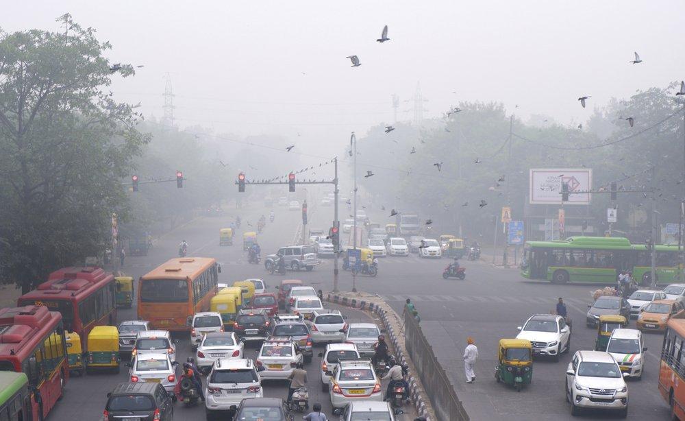 В столице Индии ввели четно-нечетную схему движения транспорта: как это работает