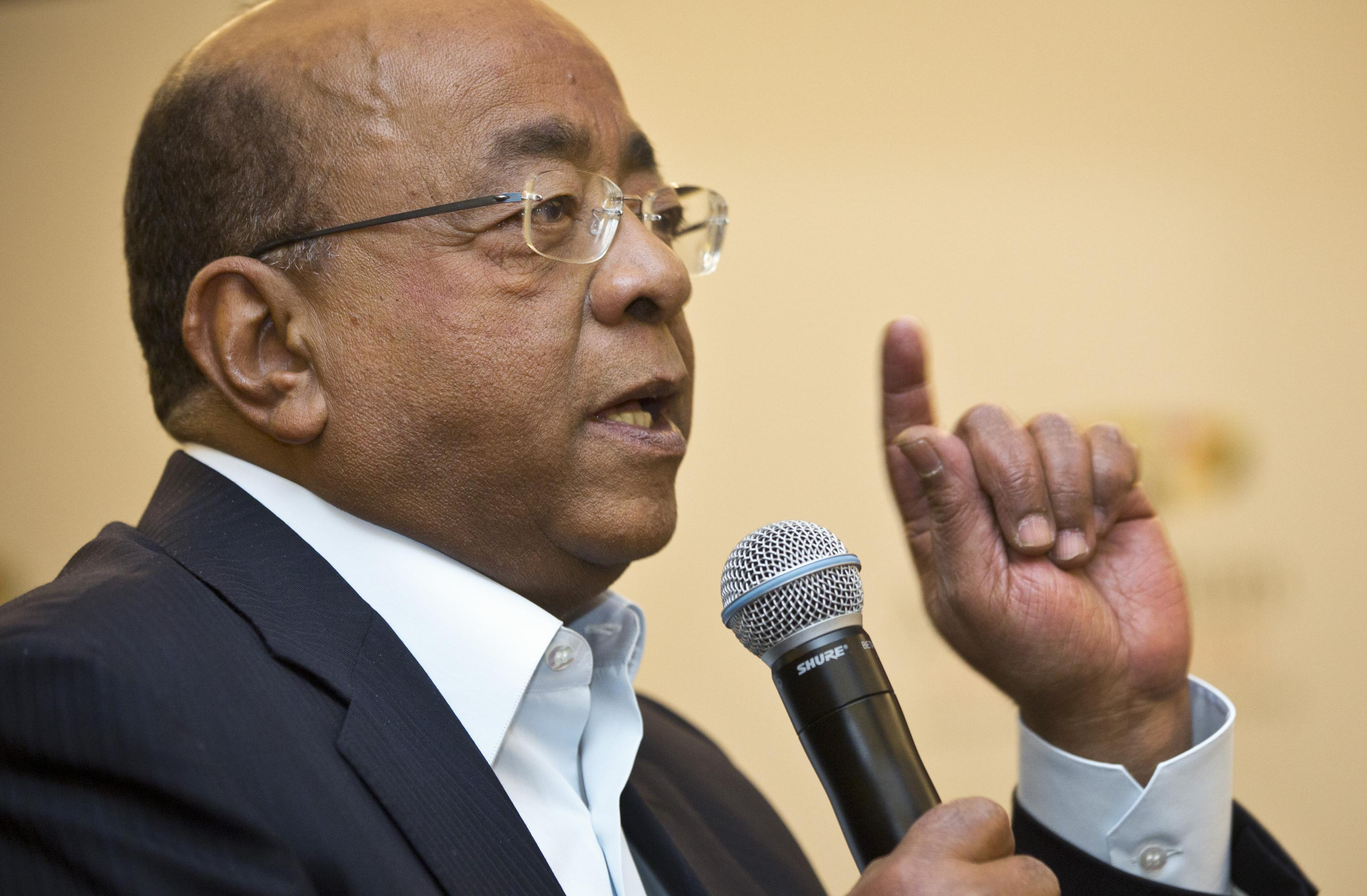 """""""Walk the Talk"""": Philanthropist Mo Ibrahim Harshly Criticizes Wealthy Nations for Hoarding COVID-19 Vaccines"""