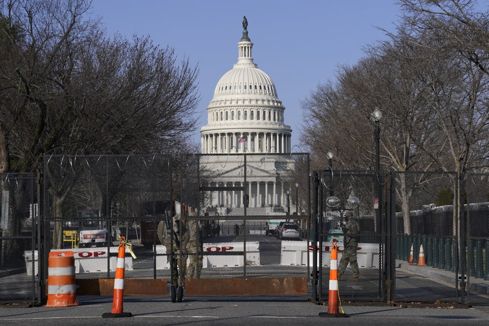 Capitol Police Board wants razorwire-topped fencing removed from Capitol
