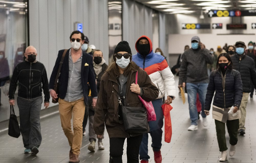 Keep your mask out as the coronavirus vaccine won't end the US crisis right away