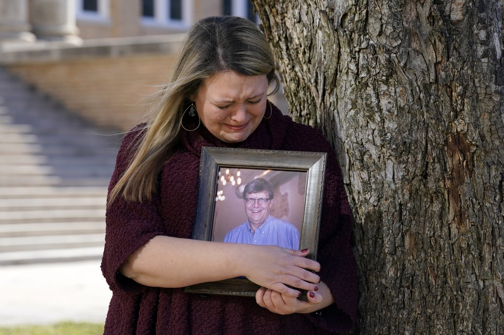 Why aren't virus rules being enforced? asks a grieving Texan family