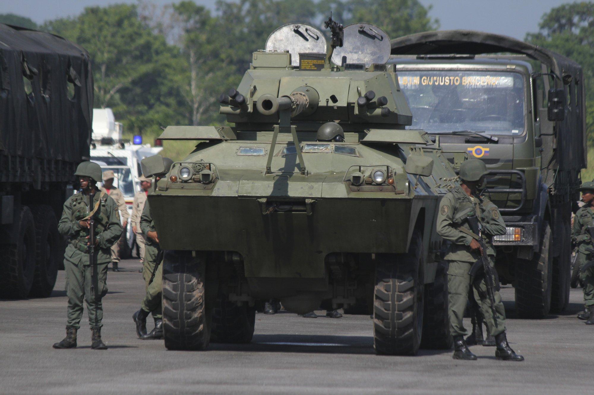 Venezuela starts military exercises along Colombia border