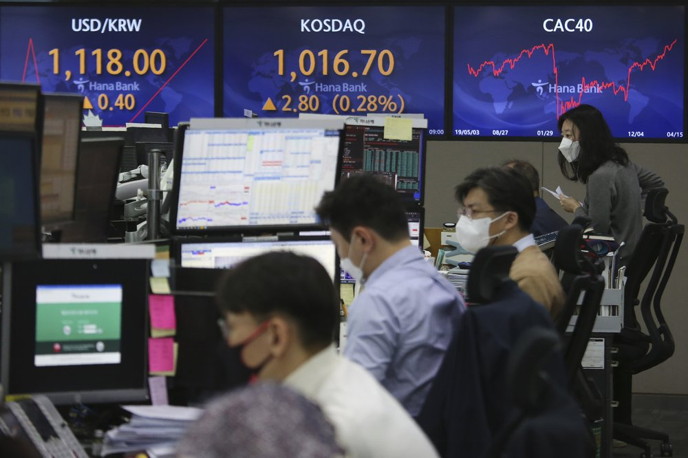 Global shares rise; vaccine dampers Wall Street optimism