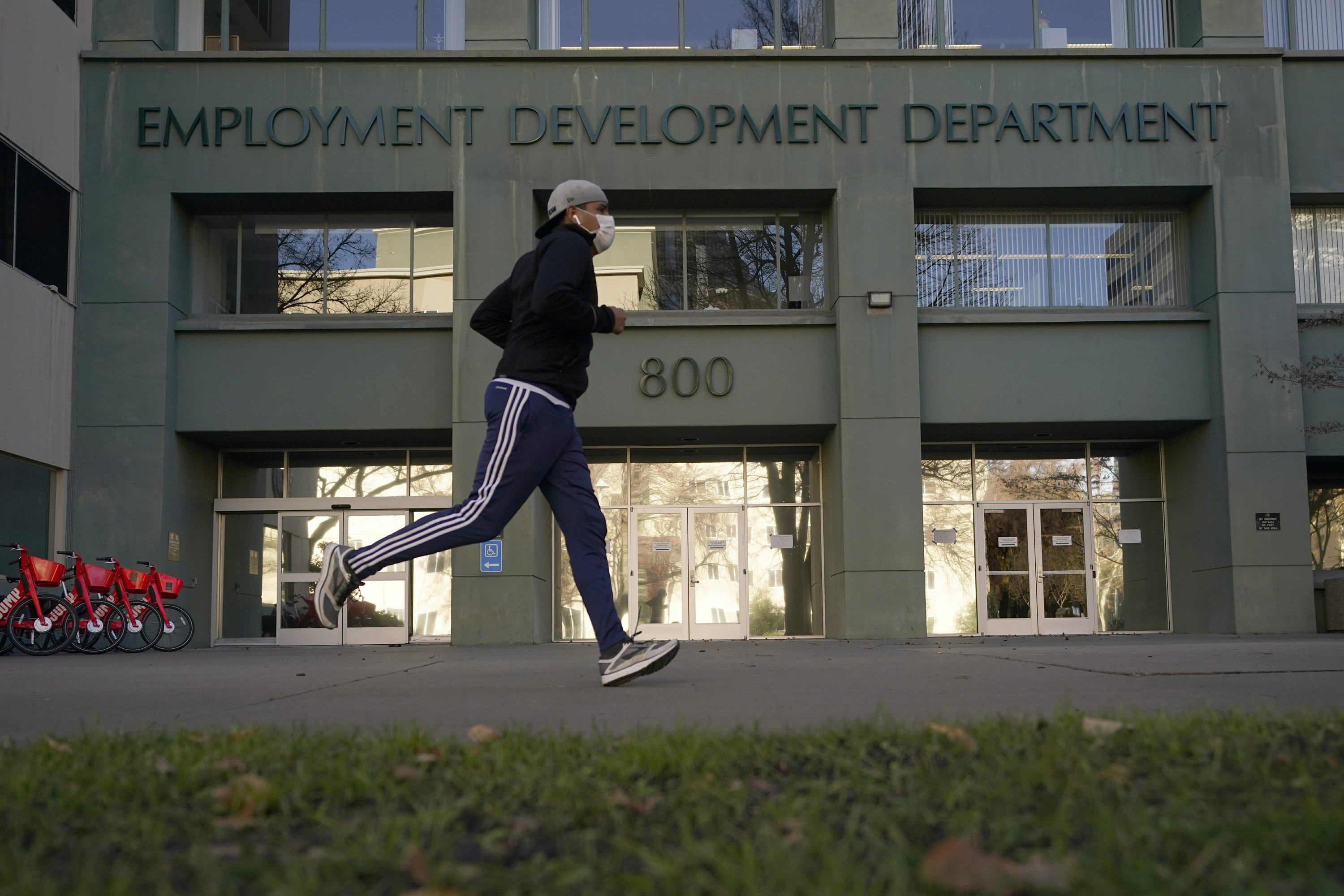 California: Criminal rings loot billions in jobless funds