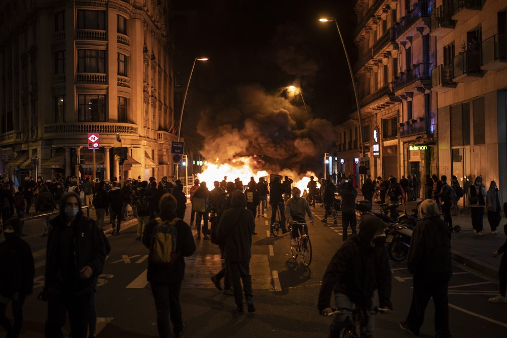 More than 50 arrested in Spain in fresh riots over rapper's jailing; dozens injured