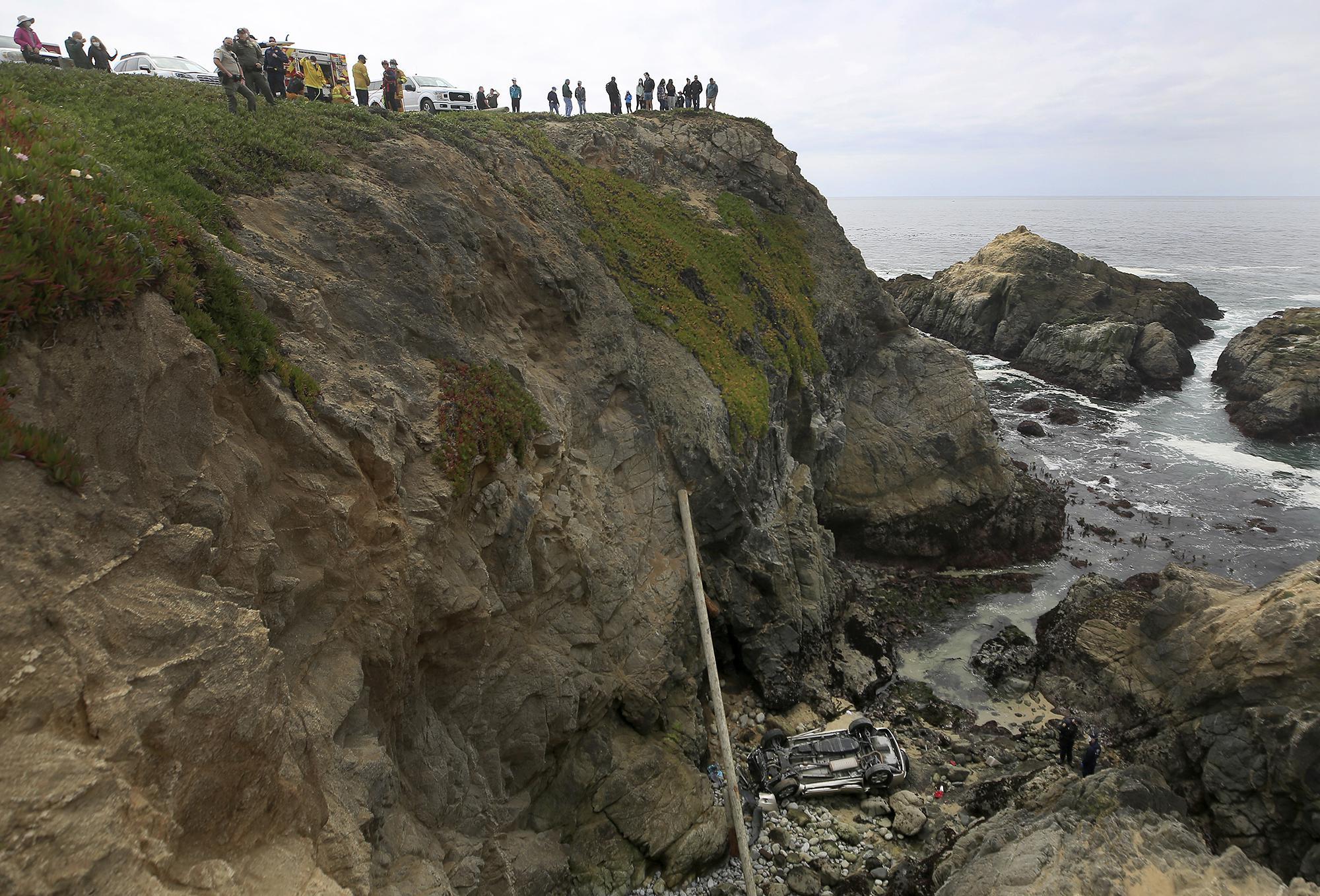 Car that plunged off California cliff drove through big lot – Associated Press