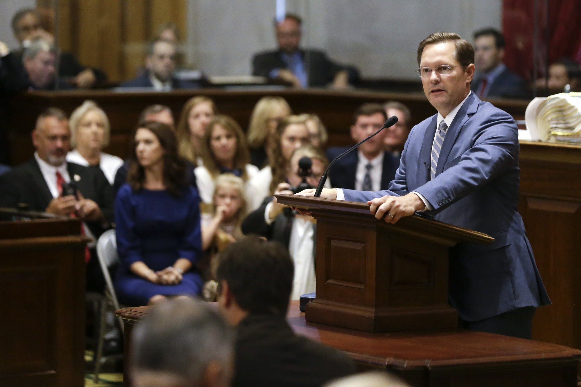 Tennessee House replaces speaker, delays action on lawmaker