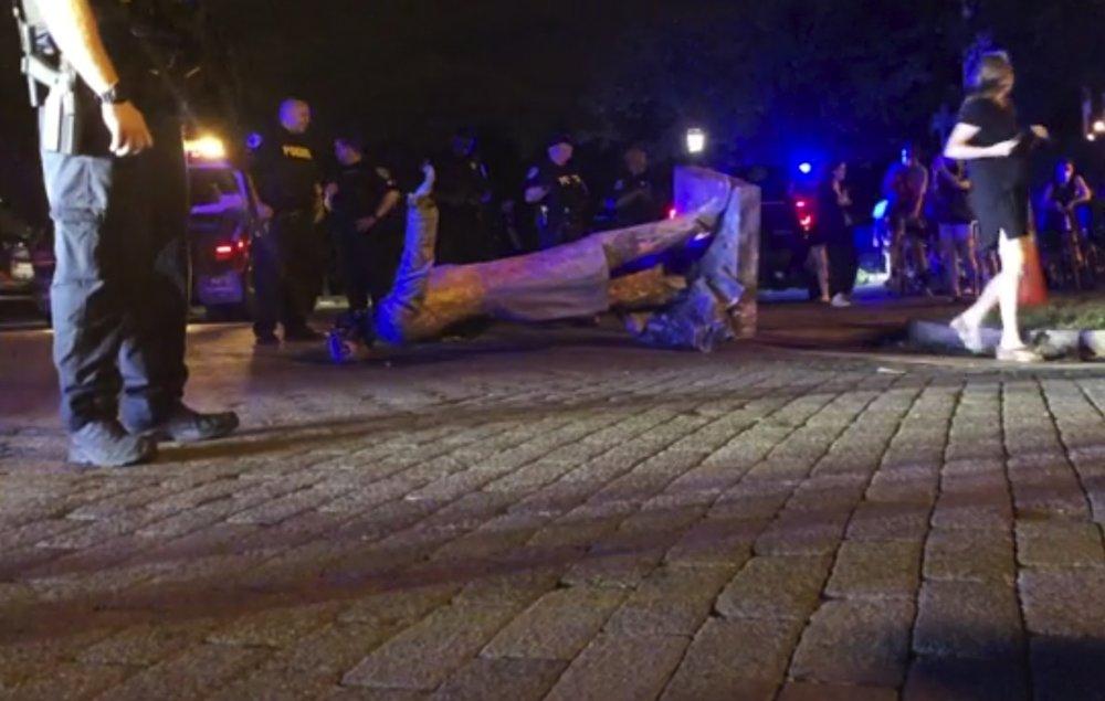 Richmond, Virginia, protesters tear down statue of Jefferson Davis