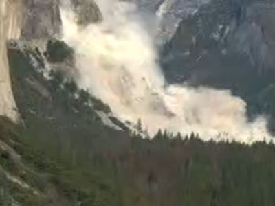 Huge Rock Falls Off at Yosemite Twice in 2 Days