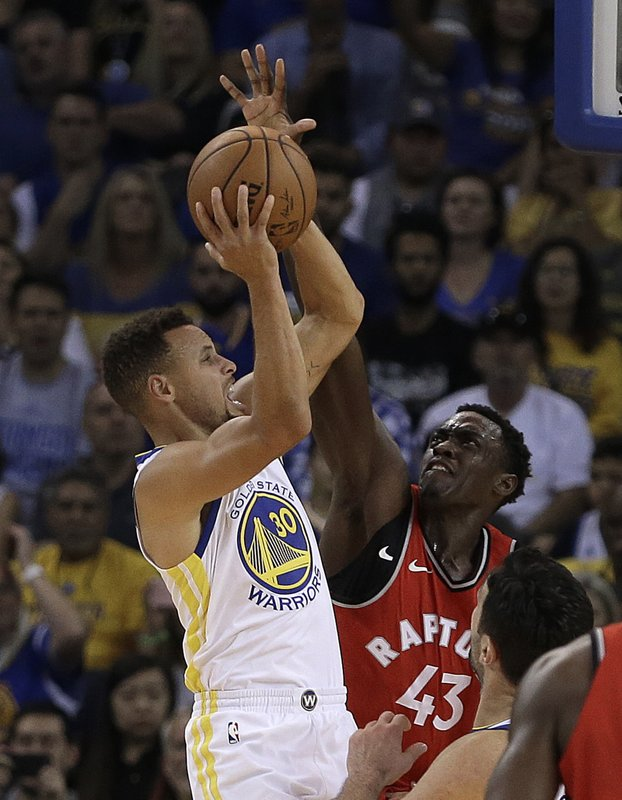 Stephen Curry, Pascal Siakam