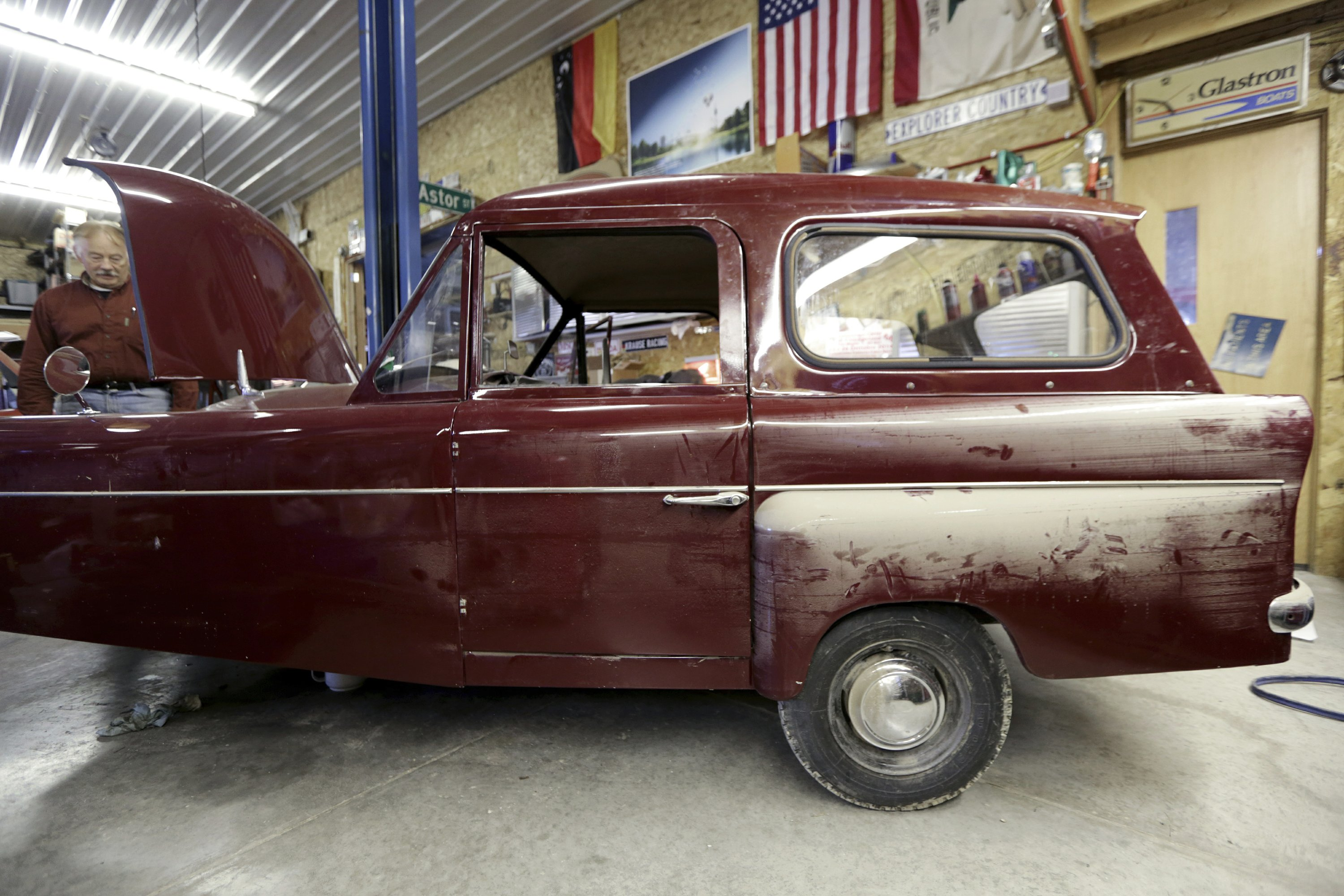 Wisconsin Man Repairs Museum S Flood Damaged Vehicles
