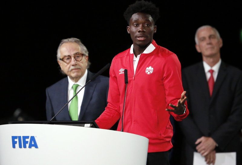 85b0c1915cb Canadian teenager Davies joins Bayern for MLS record fee