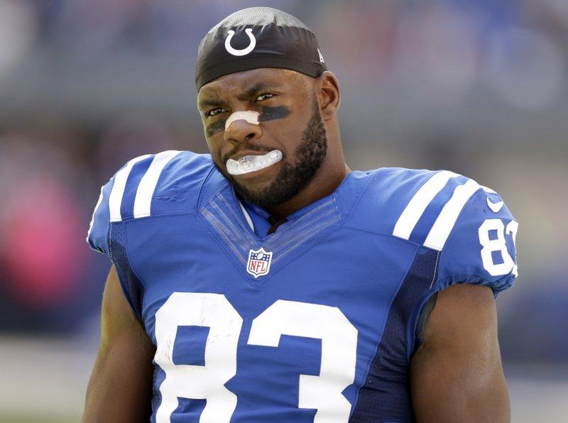 Colts' Dwayne Allen answers critics with patriotic appeal