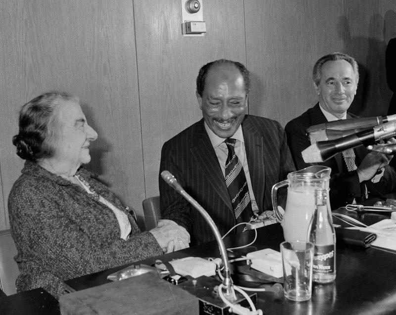 Golda Meir, Peres Sadat