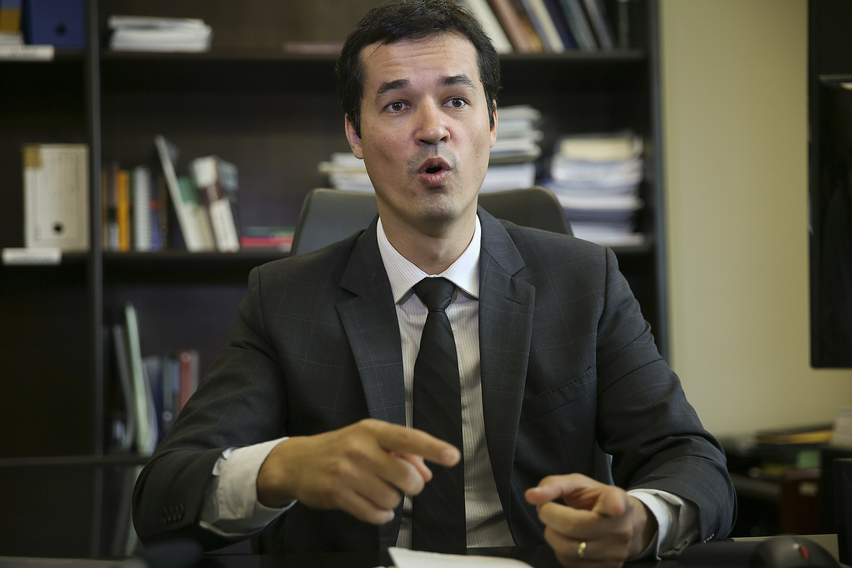 Brazil's 'Car Wash' prosecutor says corruption probe to grow