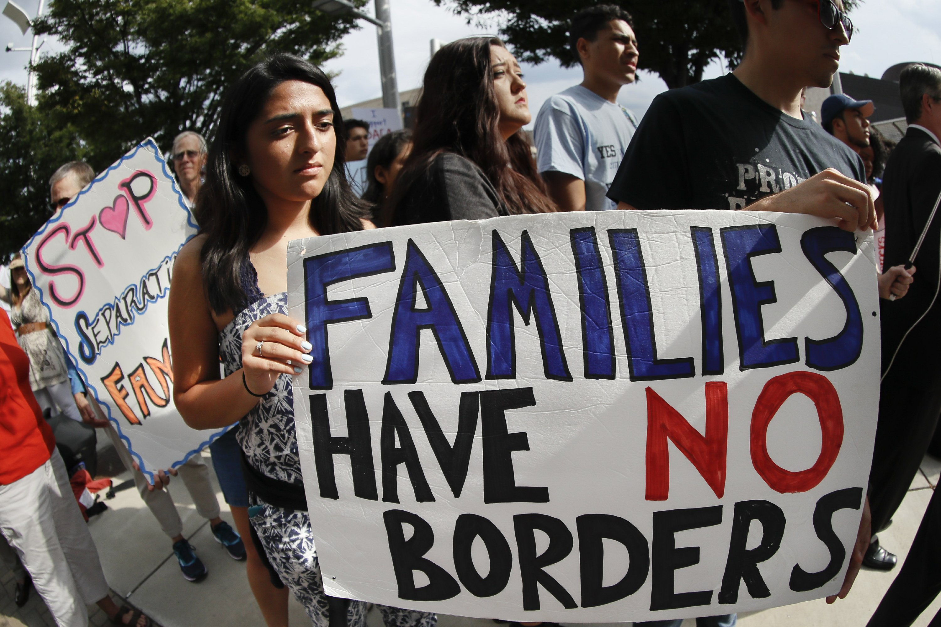 Trump orders end to program protecting immigrant 'dreamers'