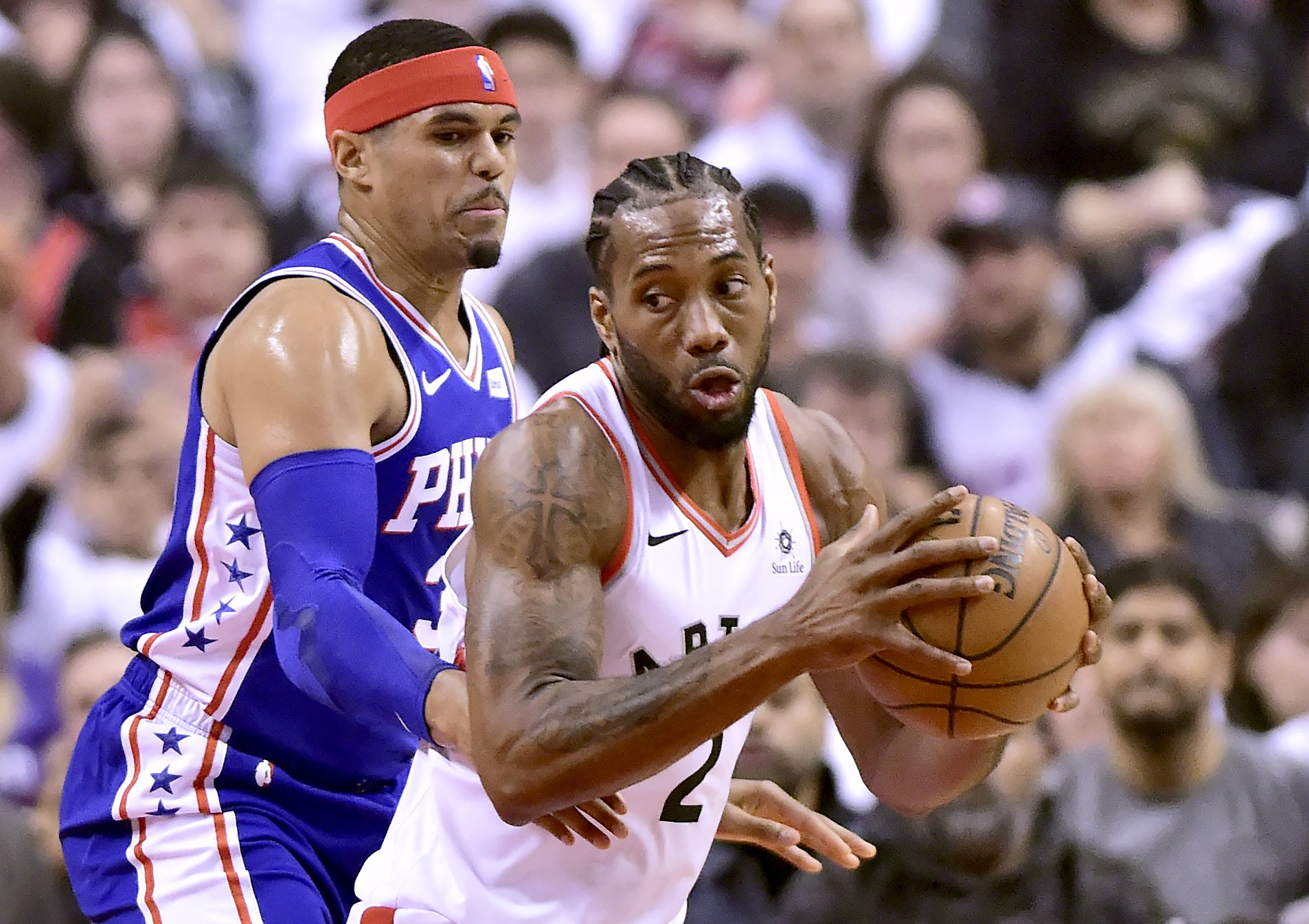 Leonard scores 45 points, Raptors top 76ers 108-95 in Game 1